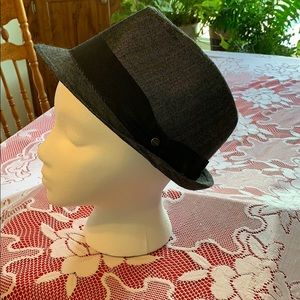 Grey fedora with black band for children.